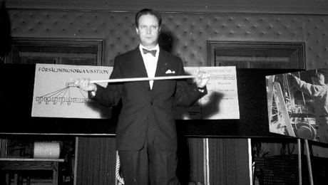 Man presenterar organisation. Dragning på strategiskt plan, 1952. Foto: Wahlbecks