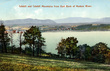 1908 Postcard sent from Catskill and Catskill Mountaoins from East Bank of  Hudson River to Mr Aug Andersson, Njerfvefall, Norra Vi.
